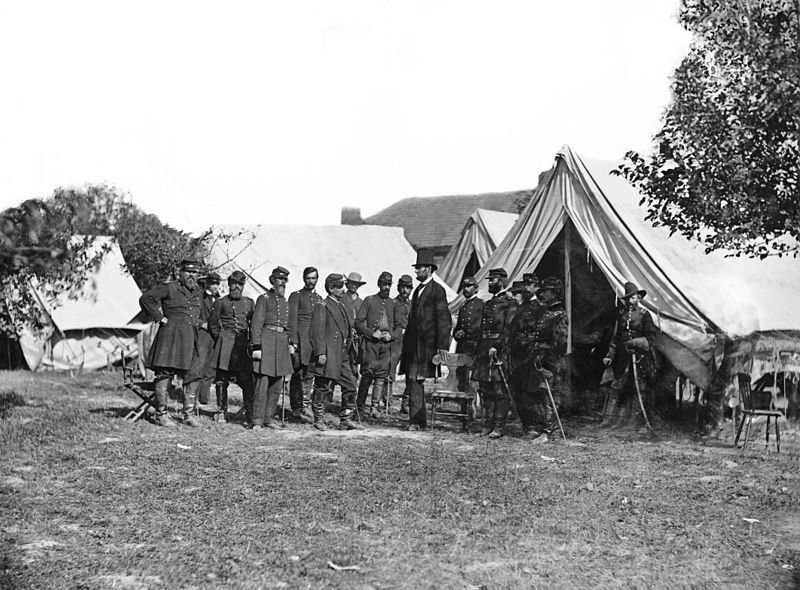 800px-lincoln_and_generals_at_antietam.jpg